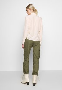 Missguided - DRAWCORD CUFF TROUSER - Trousers - khaki - 2