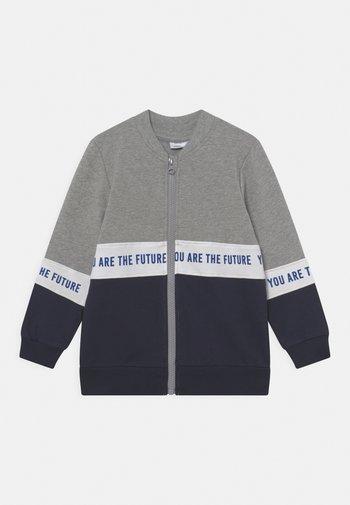 NMMLAUST CARD BOX - Zip-up sweatshirt - grey melange