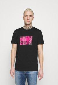 Diesel - T-DIEGOS-K16 UNISEX - Print T-shirt - black - 0