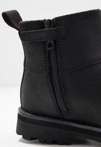Timberland - COURMA CHELSEA - Kotníkové boty - black - 2
