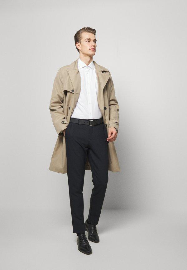 Tommy Hilfiger Tailored WASHED OXFORD CLASSIC SLIM - Koszula biznesowa - white/biały Odzież Męska SXMR