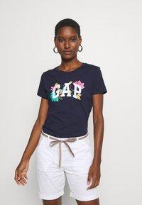GAP - FRANCHISE FLORAL TEE - Print T-shirt - navy uniform - 0