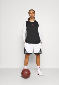 Jordan - DRY AIR DIAMOND SHORT - Sports shorts - white/black/smoke grey - 1