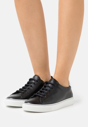 EXCLUSIVE SANDIE - Zapatillas - black