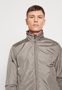 Tommy Hilfiger - Summer jacket - grey