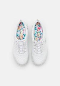 Skechers - Trainers - white - 5