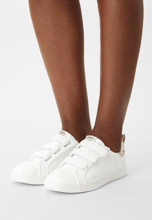 ONLSHILO - Sneaker low - white