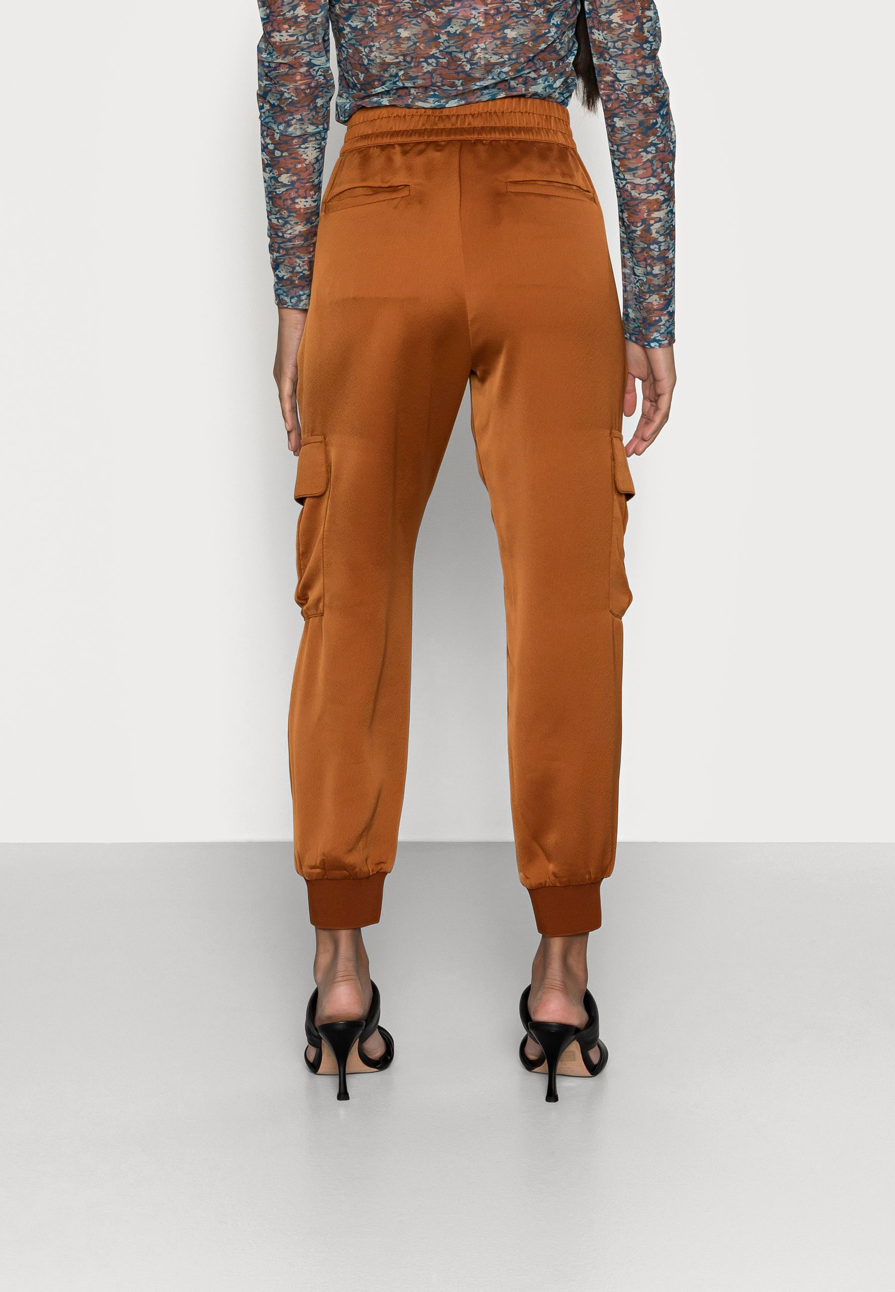 Women LUXE JOGGER - Tracksuit bottoms