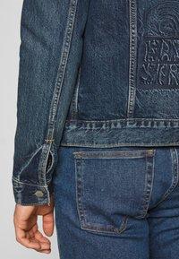 Levi's® - WELLTHREAD TRUCKER - Giacca di jeans - azurite indigo - 6