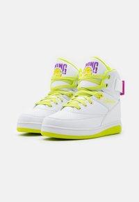 Ewing - Zapatillas altas - white/lime punch/dewberry - 1
