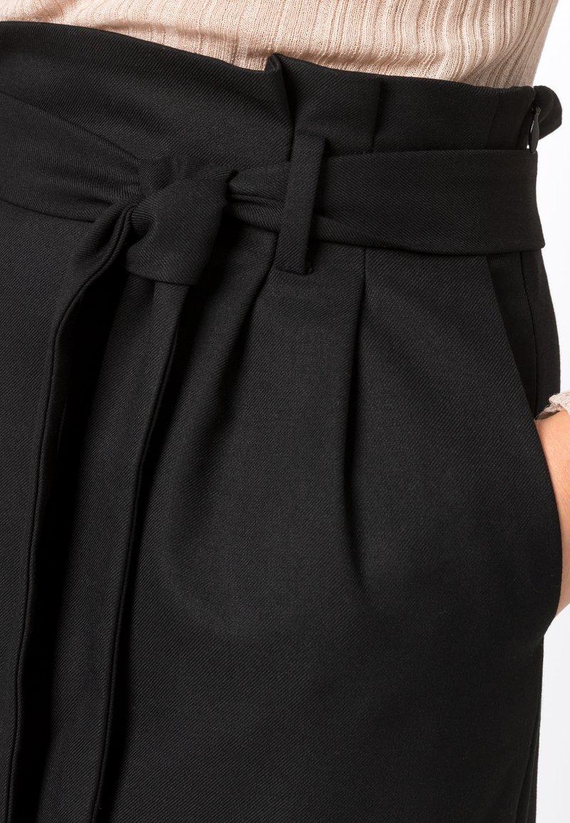 HALLHUBER - PAPERBAG-ROCK - Pencil skirt - black