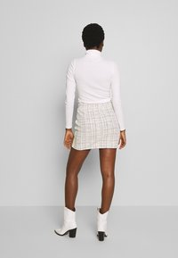 Rich & Royal - SKIRT WITH TAPES - Mini skirt - pearl white - 2
