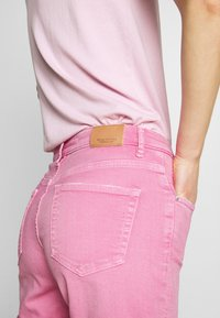 Marc O'Polo - Denim shorts - sunlit coral - 4