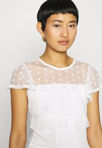 Dorothy Perkins - TIERED DOBBY  - Blouse - white - 4