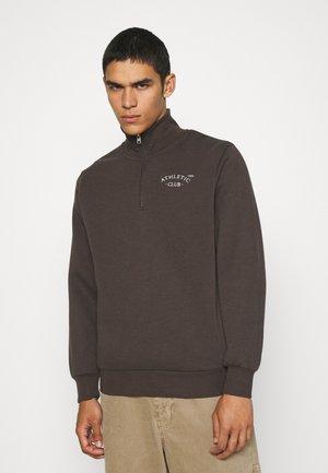 Sweater - seal brown