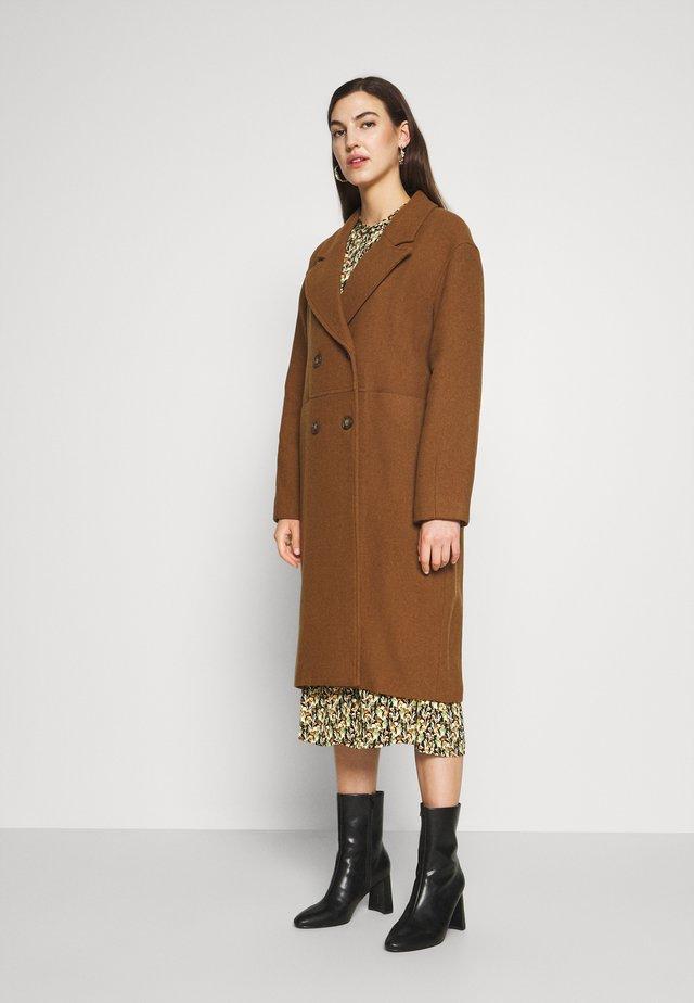 PAVIELLE - Classic coat - pecan
