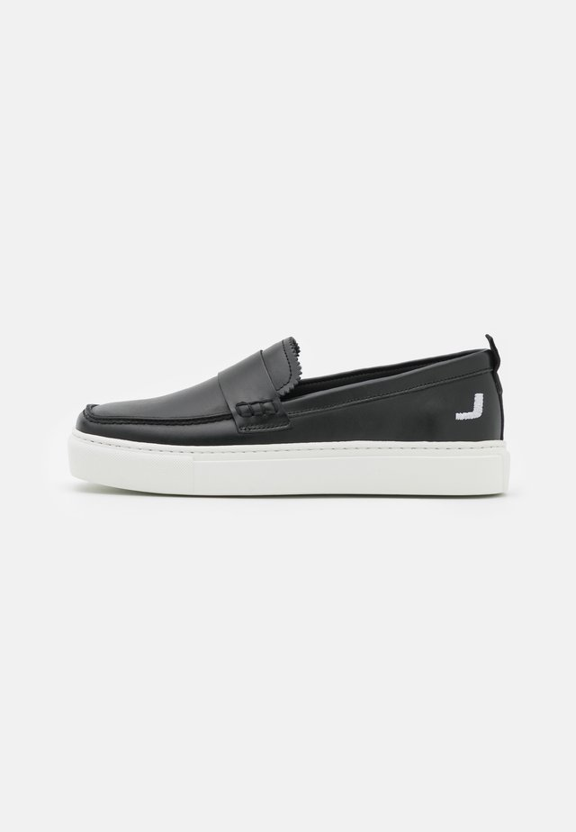 EXCLUSIVE SQUARED LOAFER - Trainers - black