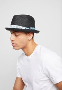 Chillouts - CHICAGO HAT - Hat - black - 1