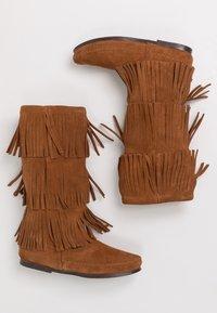 Minnetonka - 3 LAYER FRINGE - Cowboy/Biker boots - brown - 3