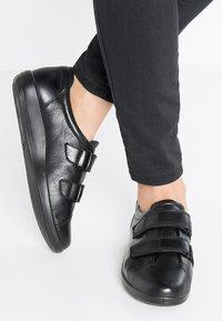 ECCO - SOFT 2.0 - Sneakers - black - 0