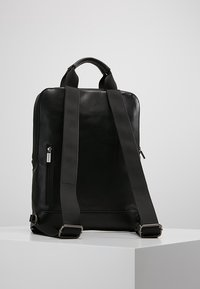 Moleskine - CLASSIC DEVICE BAG VERT - Rugzak - black - 2