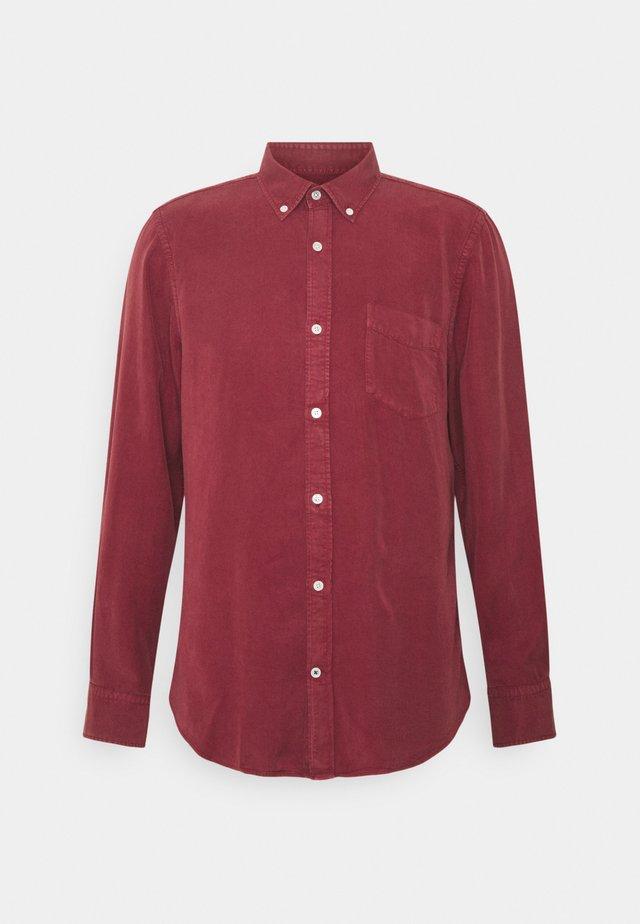 MANZA SLIM - Hemd - burned red