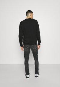 Alessandro Zavetti - BENZIO - Slim fit jeans - black wash - 2