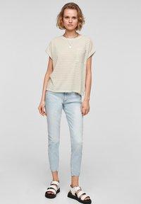 QS by s.Oliver - Print T-shirt - beige stripes - 1