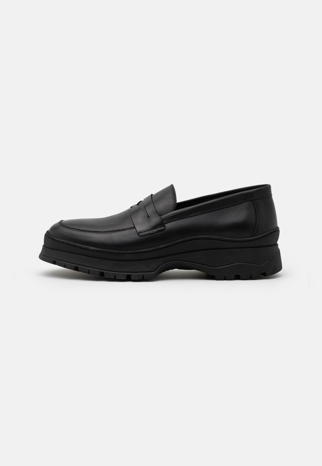 JOSH - Loaferit/pistokkaat - black