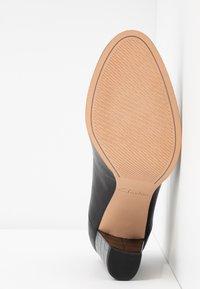 Clarks - KAYLIN ALBA - Classic heels - black - 6