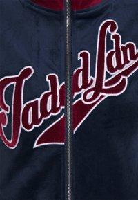 Jaded London - ZIP THROUGH TRACK TOP WITH EMBROIDERY - Zip-up sweatshirt - navy/burgundy - 2