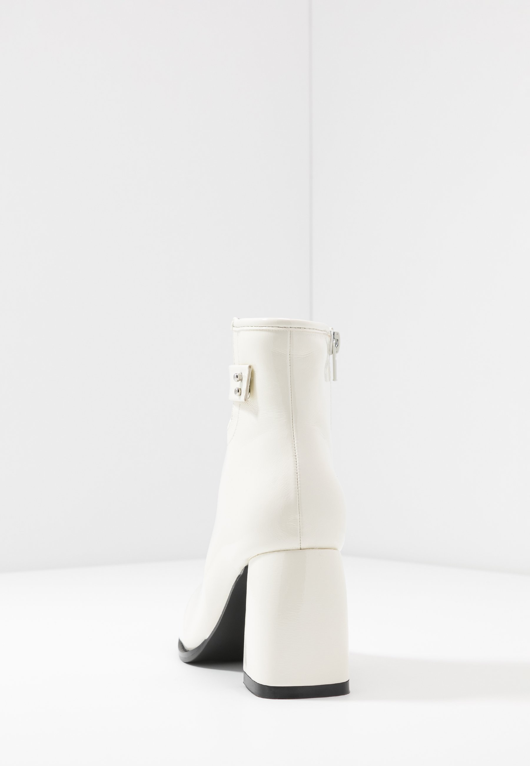 Lost Ink BLOCK HEEL ALMOND TOE - Ankelboots - white