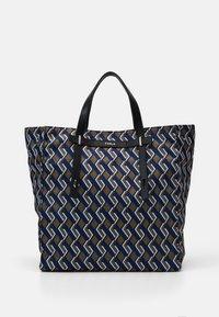 Furla - MAN GIOVE SHOPPER TESSUT - Shopping bag - toni militare - 3