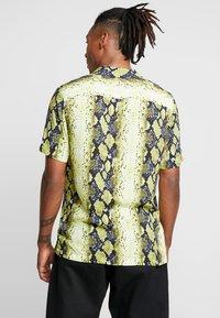 Jaded London - YELLOW SNAKESKIN SHIRT - Shirt - yellow - 2