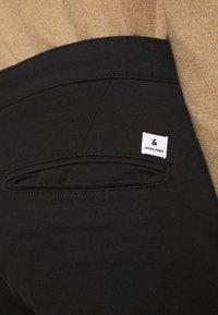 Jack & Jones - JJIROY JJDAVE - Chino kalhoty - black - 5