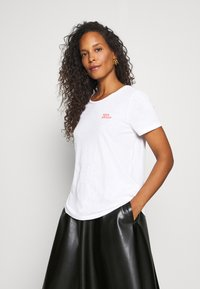 Marc O'Polo - SHORT SLEEVE ROUND NECK - Print T-shirt - multi/white - 0