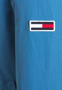 Tommy Jeans - ESSENTIAL JACKET - Kurtka wiosenna - audacious blue - 2