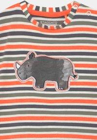 Staccato - SET - T-shirt print - dark blue/orange - 3