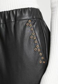 DEPECHE - PANTS - Leren broek - black - 4