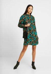 Vero Moda - VMLIANA  DRESS - Vestito estivo - black/green - 2