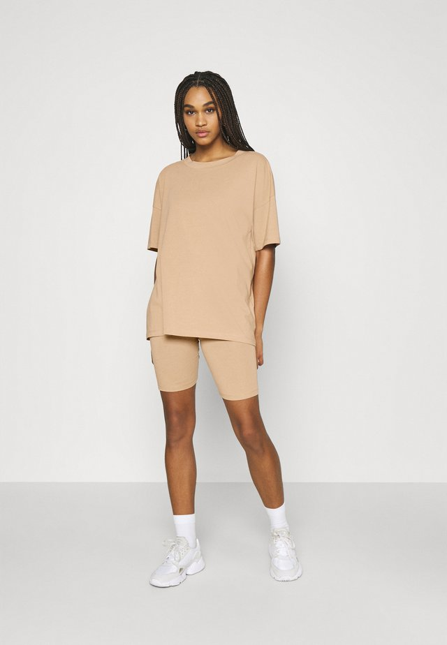 NMCECILIE COORDINATED SET  - T-shirts basic - praline
