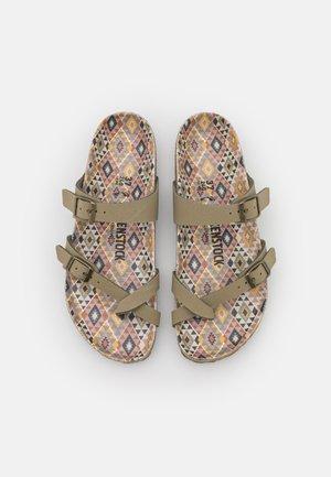MAYARI EARTHY VEGAN - T-bar sandals - faded khaki