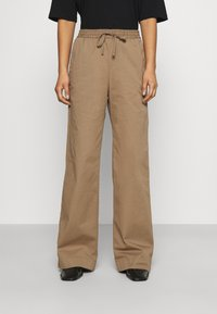 Filippa K - GILLIAN TROUSER - Trousers - muddy brow - 0