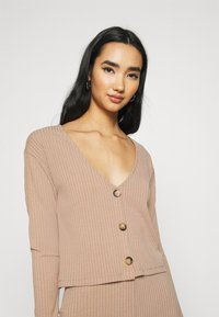 Nly by Nelly - BUTTON CARDIGAN SET - Kardigan - beige - 4