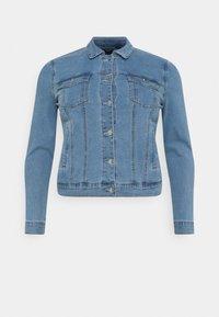 Vero Moda Curve - VMHOT SOYA JACKET - Denim jacket - light blue denim - 5