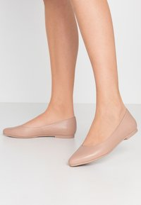 Anna Field - LEATHER BALLERINAS - Ballet pumps - nude - 0