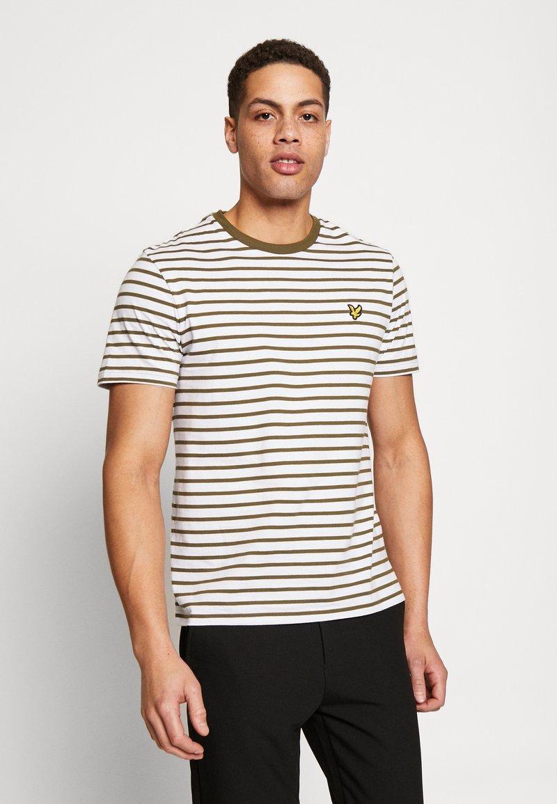 Lyle & Scott - BRETON STRIPE  - Print T-shirt - lichen green/ white