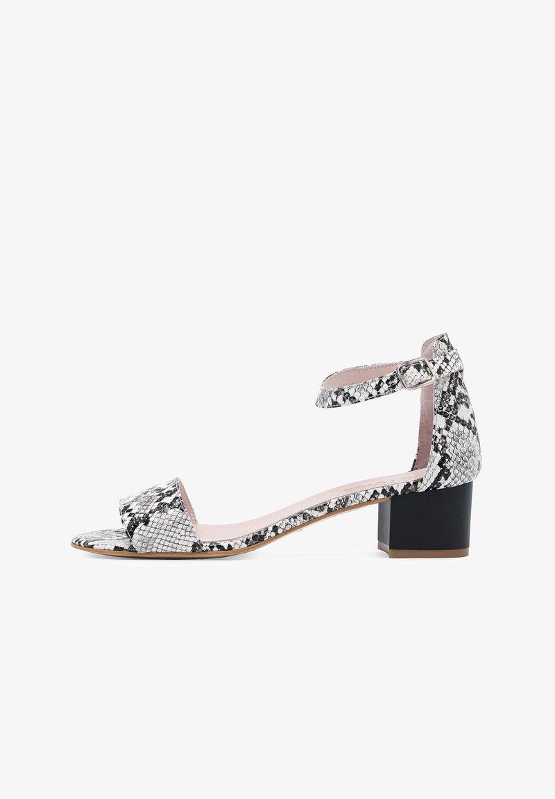 Eva Lopez - Sandals - blanco