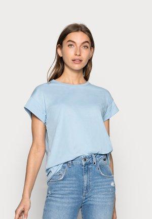 ALVA SEASONAL TEE - T-shirt basic - powder blue