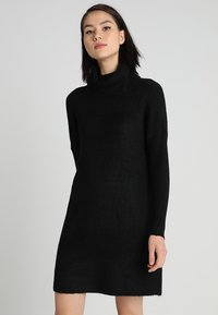 ONLY - ONLJANA COWLNECK DRESS  - Pletené šaty - black - 0